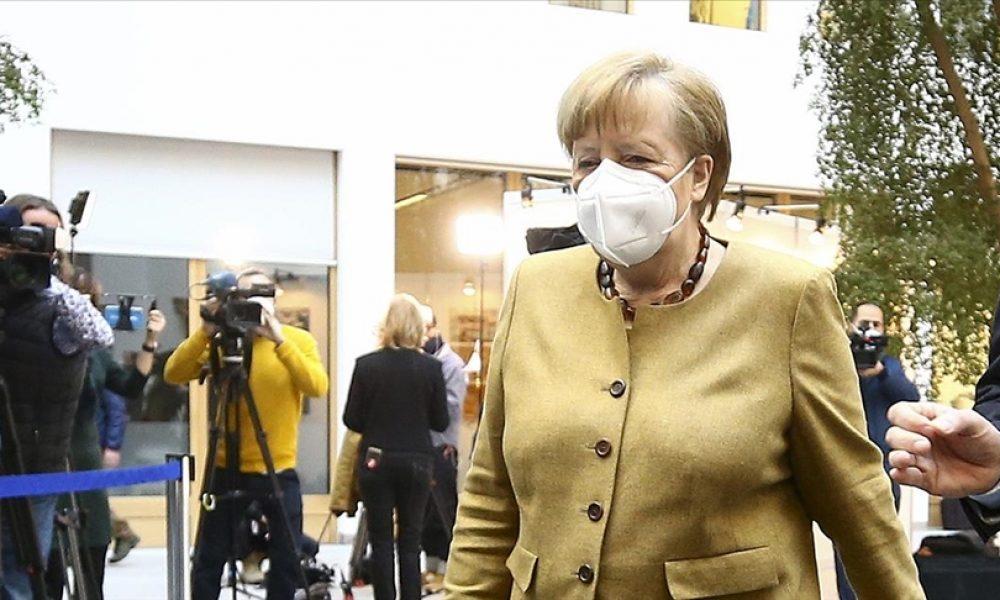 """""""Mainz mucizesi"""": Almanya Başbakanı Merkel BioNTech'in üretim tesisini ziyaret etti"""