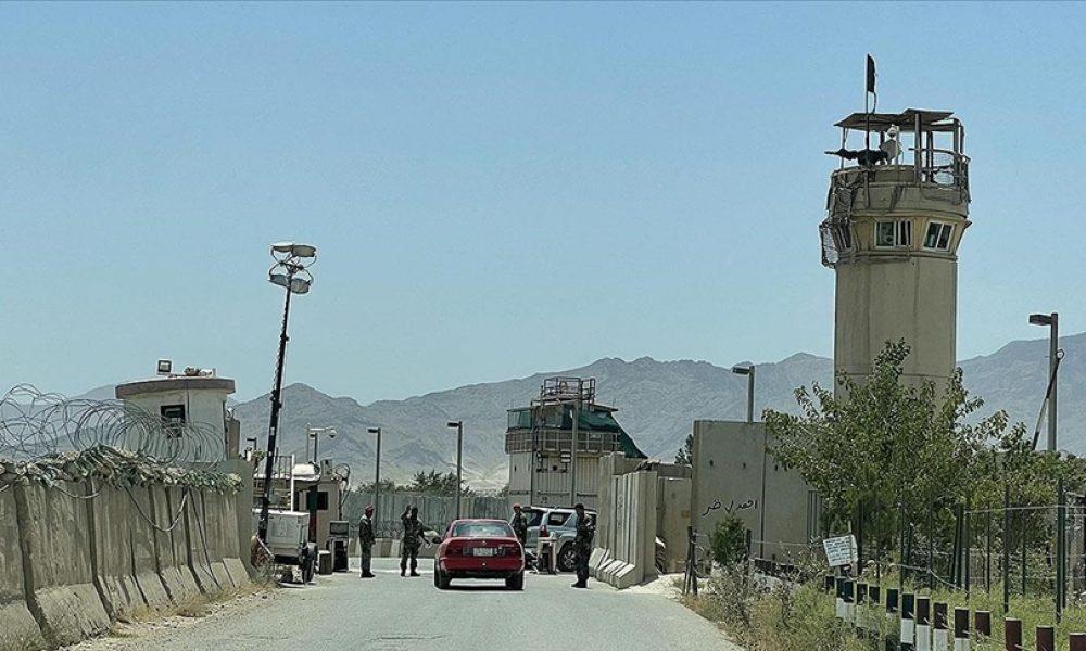 Fransa, Afganistan Büyükelçiliğini Kabil Havalimanı'na taşıyor