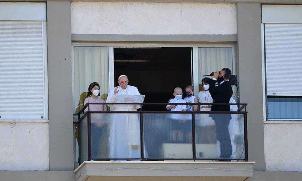 Papa Franciscus taburcu edildi