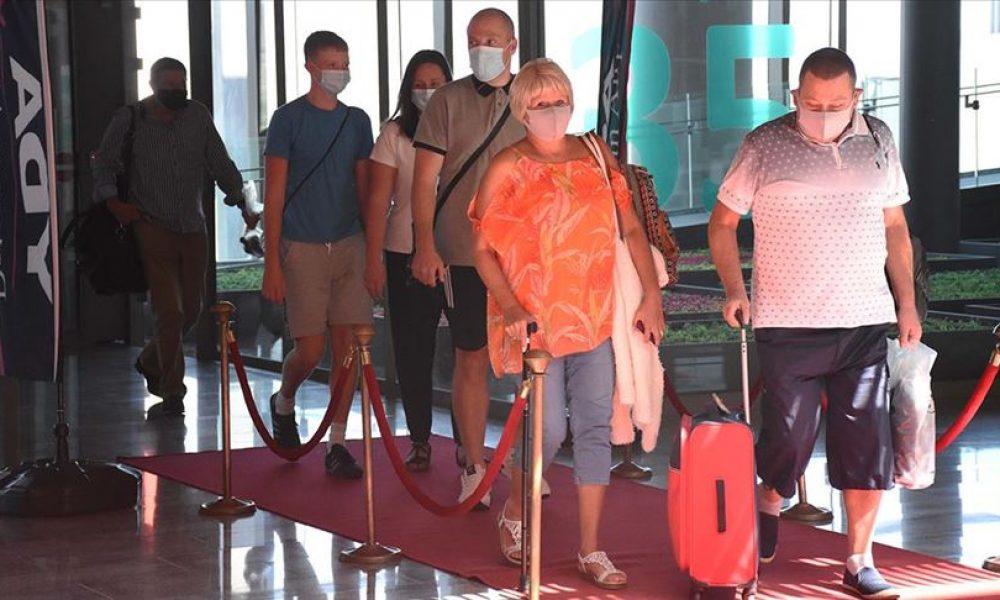 Temmuz da hayal oldu: İngiliz turist ağustostan sonra Türkiye'ye gidebilecek