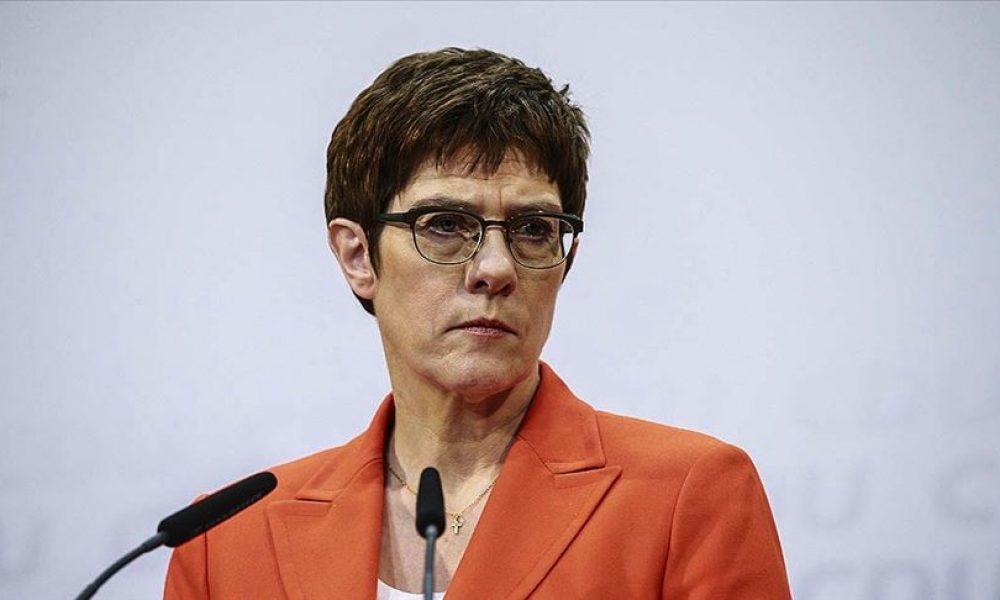 Alman Savunma Bakanı Türkiye'de: NATO kararlarının uygulanması konuşulacak