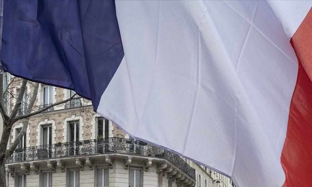 Fransa, bazı AB ülkelerinden gelenlere Covid-19 testi zorunluluğu getirdi