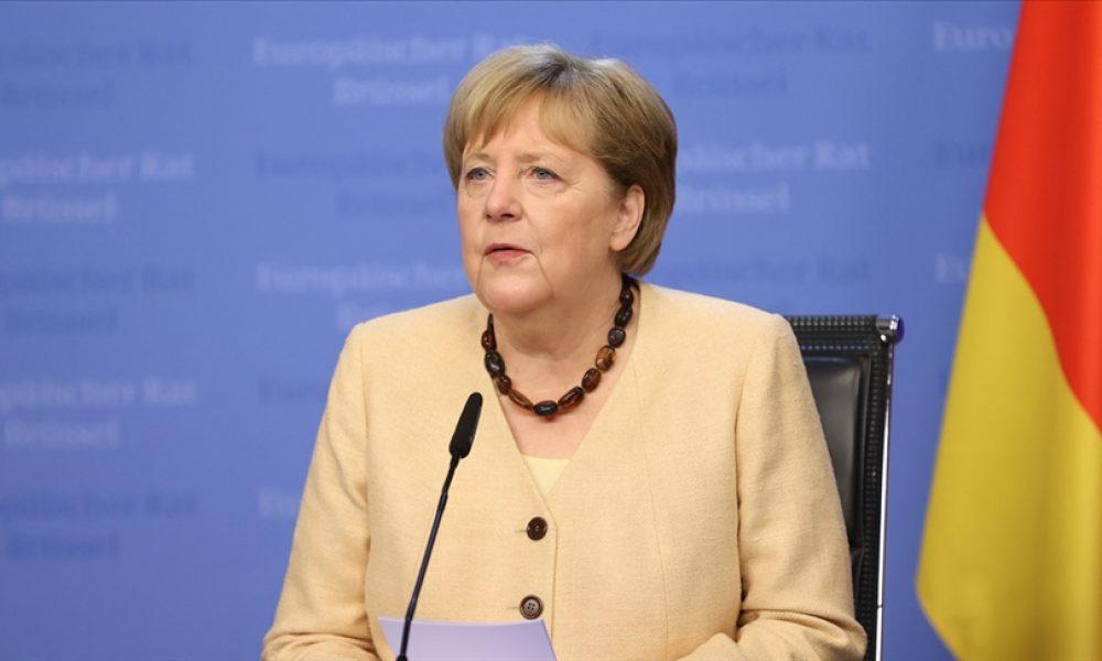 """Merkel: """"Yardımcı olanları unutmamak için elimizden geleni yapmak istiyoruz"""""""