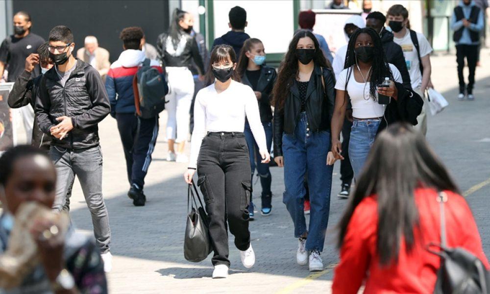 Nüfusun yüzde 80'i aşılandı: Belçika'da yaşam normal seyrinde