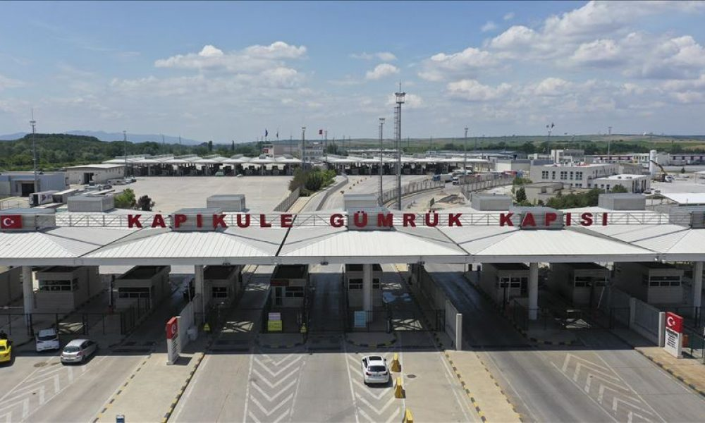 CHP Berlin Birliği girişim başlatmıştı: Türkiye'ye girişlerde PCR testinden Avrupalı Türkler muaf mı?