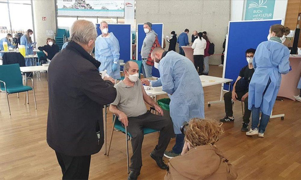 DİTİB Köln Merkez Camisi'ndeki aşı kampanyasına teşekkür ettiler