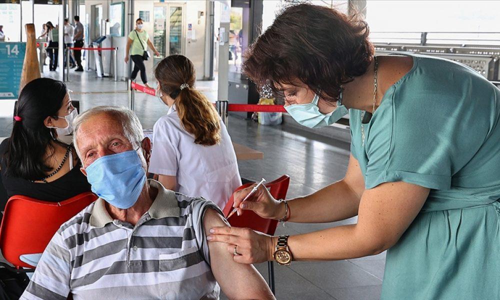 Almanya'da binlerce kişiye tuzlu su enjekte etmiş