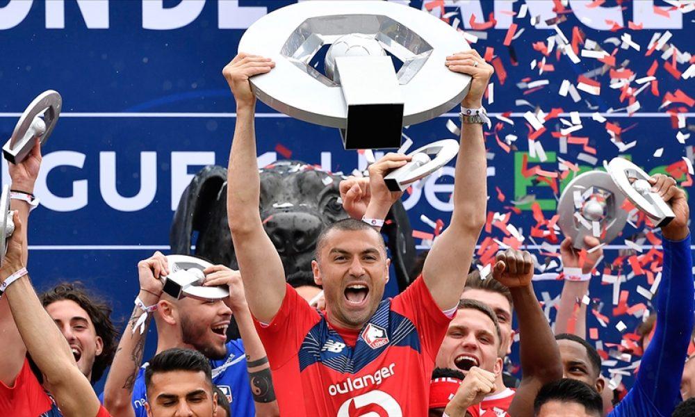 """Fransız futbolundaki """"Muhteşem Türk"""": Burak Yılmaz, Lille'de sezonun futbolcusu seçildi"""
