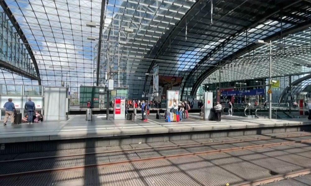 Toplum içten içe kaynıyor: Almanya'da makinistler yeniden greve gidecek