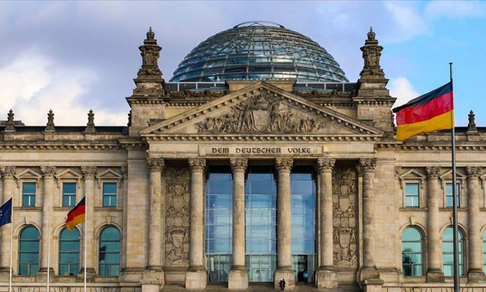 """Berlin: """"Türkiye'ye silah ambargosu"""" teklifi parlamentodan geçmedi"""
