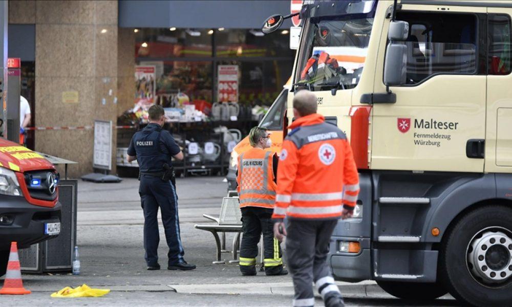Würzburg saldırısı: Hayatını kaybedenler anıldı, uyarılar var
