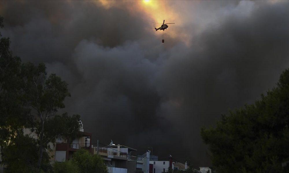 Yunanistan'da yeni orman yangınları çıktı: 2 yerleşim birimi ve bir çocuk tatil kampı tahliye edildi