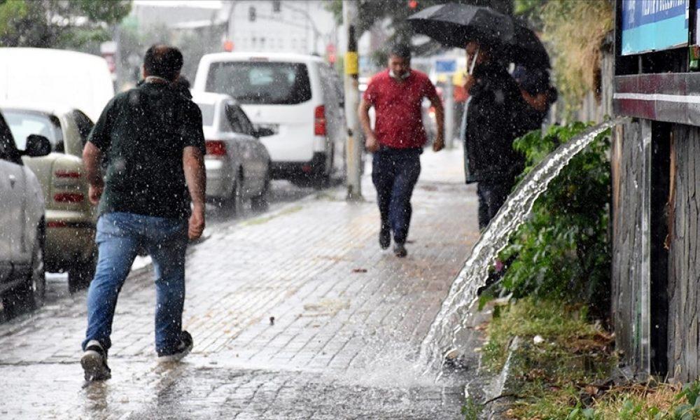 Almanya'da şiddetli yağış su baskınlarına neden oldu: Haftasonu da devam edecek