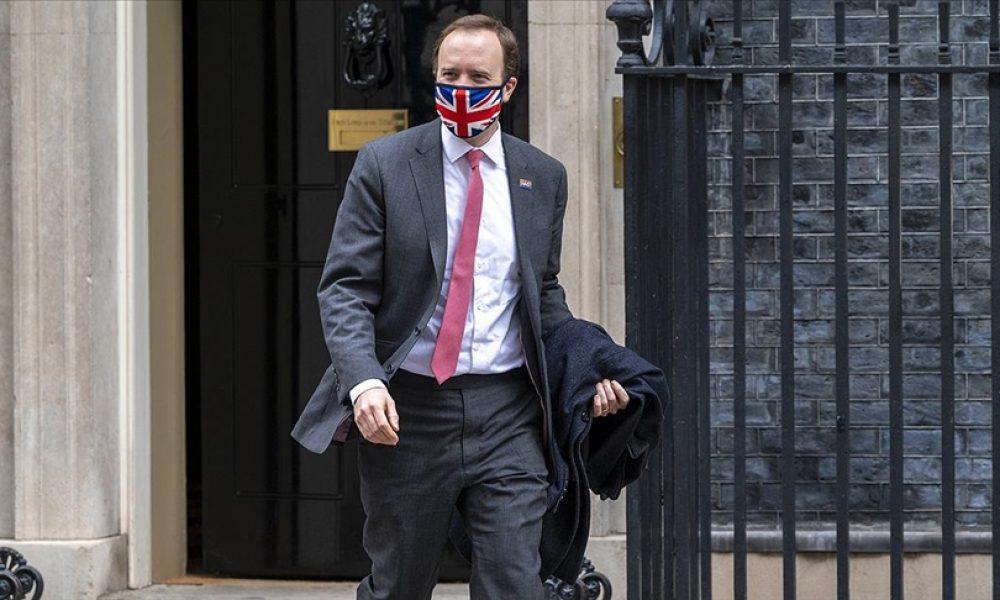 Eşini aldatan İngiltere Sağlık Bakanı görevine devam edecek: Siyaset çoktan gömlek değiştirdi
