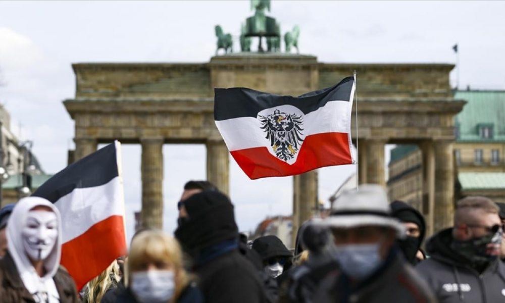 Korona önlemlerine karşı eylemler: Berlin'de çok sayıda gözaltı
