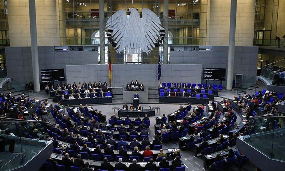 Almanya'da meclis başkanlığı için gözler Aydan Özoğuz'da
