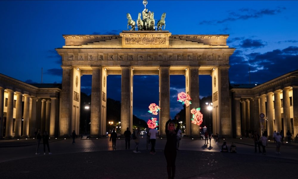 """Almanya AB dışı ülkelerden turistik seyahat kısıtlamasını """"şartlı"""" kaldırdı"""