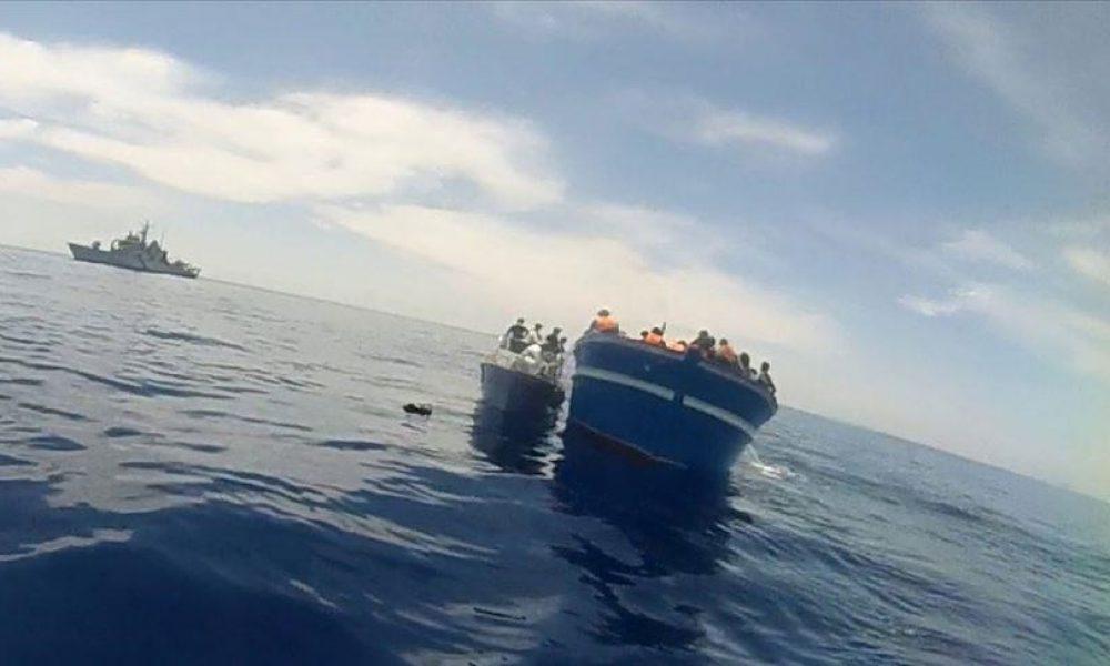 Son 18 saatte: Lampedusa Adası'na son bin 400'ü aşkın sığınmacı ulaştı