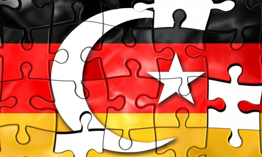 Büyük olanakların kaynağı: Almanya'da Türkçe eğitimi krizi